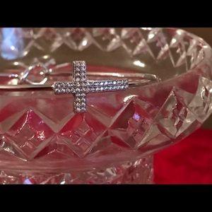 Beautiful crystal cross bracelet has markings new